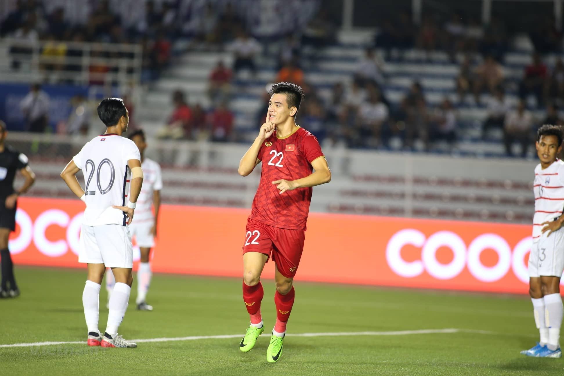 Đức Chinh tỏa sáng đưa U22 Việt Nam vào chung kết SEA Games 30