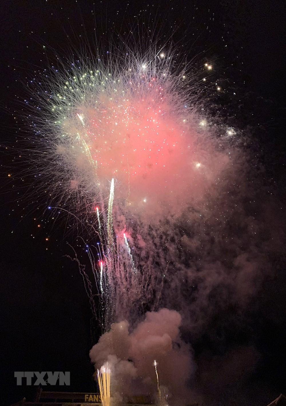 Lào Cai: Bắn pháo hoa chào mừng Quốc khánh tại khu du lịch Sa Pa - 6