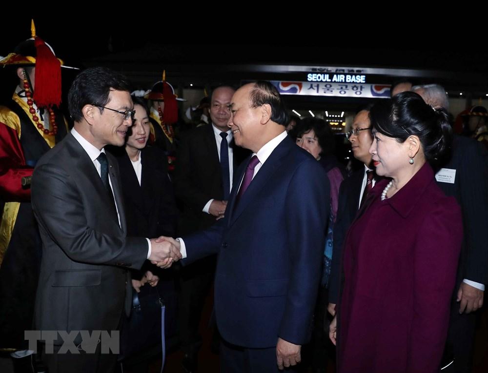 Thủ tướng Nguyễn Xuân Phúc kết thúc tốt đẹp chuyến thăm Hàn Quốc - 1