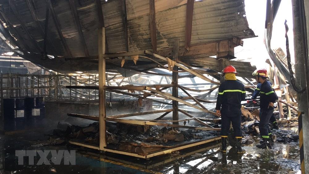 Bình Dương: Cháy lớn tại công ty sản xuất gỗ trong ngày cuối năm - 1
