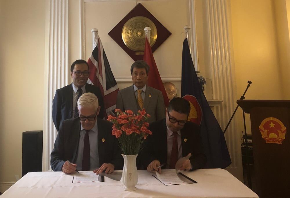 Cục Ngoại vụ và Asia House ký bản ghi nhớ thúc đẩy hợp tác Anh-Việt - 1