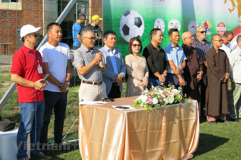 Sôi nổi giải bóng đá của người Việt tại châu Âu lần thứ nhất