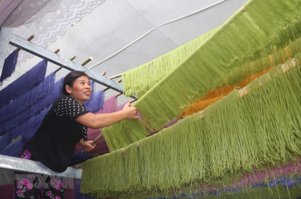 [Photo] Dac san bun kho ngu sac thu hut du khach den Cao Bang hinh anh 1