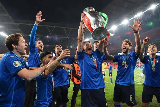Giai EURO 2024 se tro lai voi phuong thuc truyen thong hinh anh 1