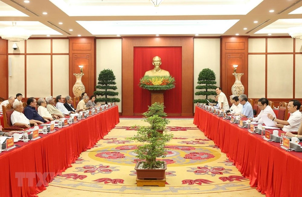 Nguyên lãnh đạo Đảng, Nhà nước góp ý vào dự thảo Báo cáo chính trị - 1