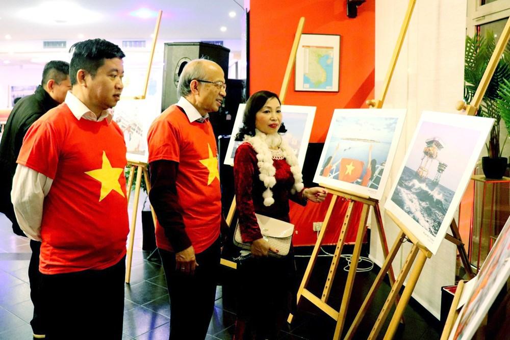 Ra mắt CLB Hoàng Sa, Trường Sa của cộng đồng người Việt tại Ba Lan - 1