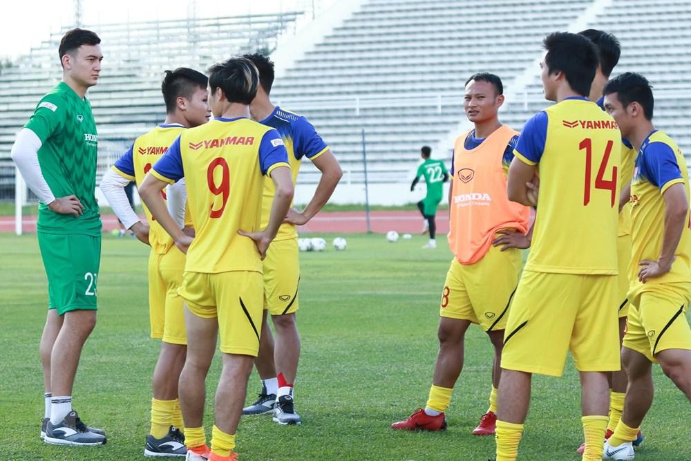 [ẢNH] Đội tuyển Việt Nam 'thư giãn' sau chiến thắng chủ nhà Thái Lan - 3