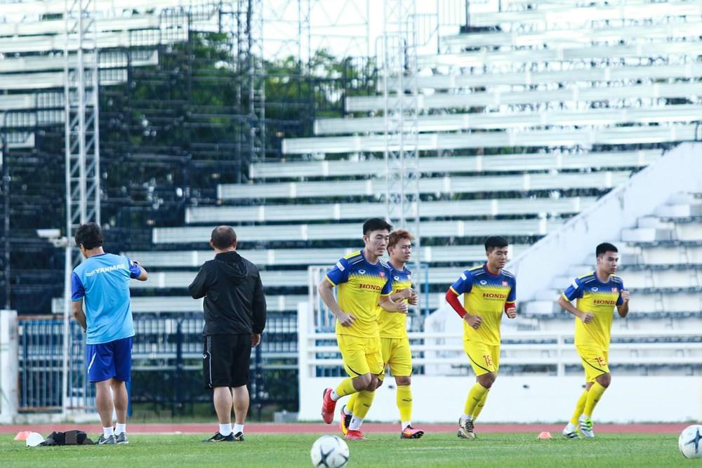[ẢNH] Đội tuyển Việt Nam 'thư giãn' sau chiến thắng chủ nhà Thái Lan - 4