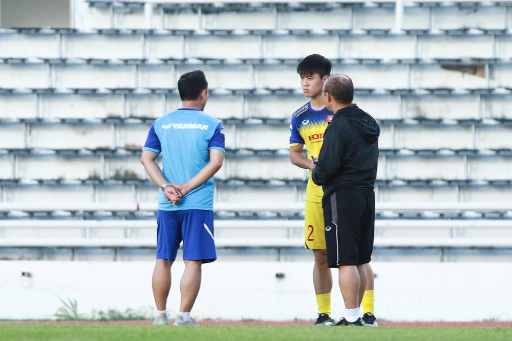 [ẢNH] Đội tuyển Việt Nam 'thư giãn' sau chiến thắng chủ nhà Thái Lan - 6