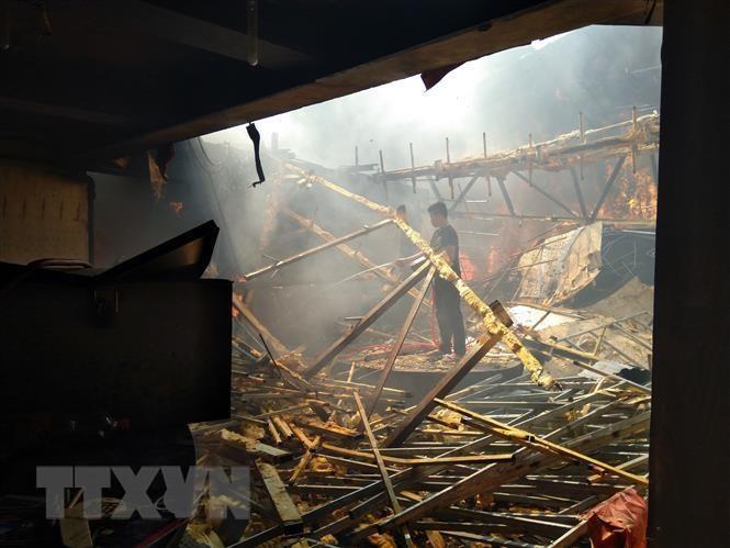 Nghệ An: 2 vụ cháy liên tiếp trong ngày, nhiều hàng hóa bị thiêu rụi