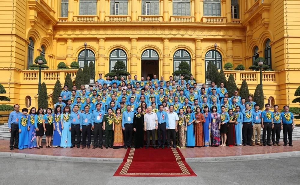 Tổng Bí thư, Chủ tịch nước gặp mặt đại biểu cán bộ công đoàn tiêu biểu - 1