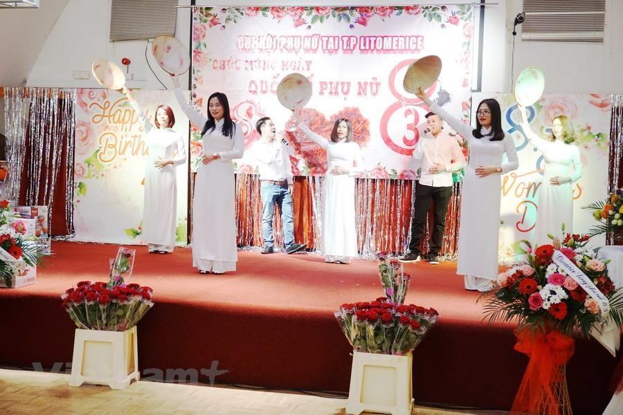 Nét duyên của người phụ nữ Việt Nam trên đất Cộng hòa Séc