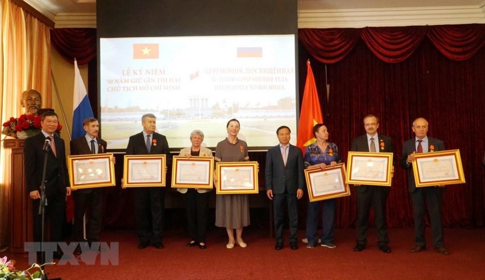 Vinh danh các chuyên gia Nga gìn giữ thi hài Chủ tịch Hồ Chí Minh