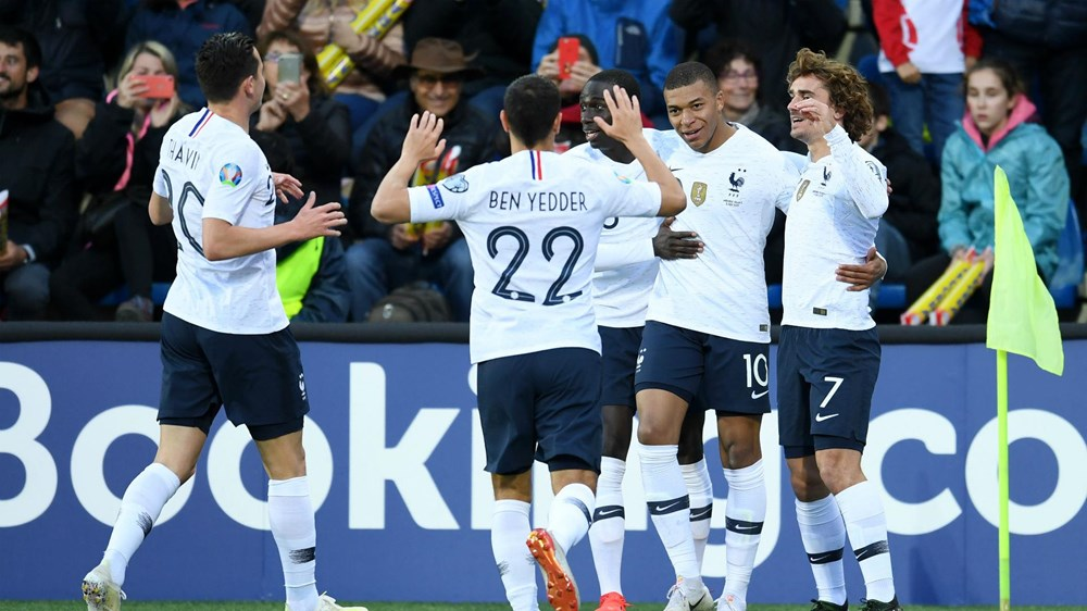 Vòng loại Euro: Đức thắng hủy diệt 8-0, Pháp tìm lại niềm vui - 1