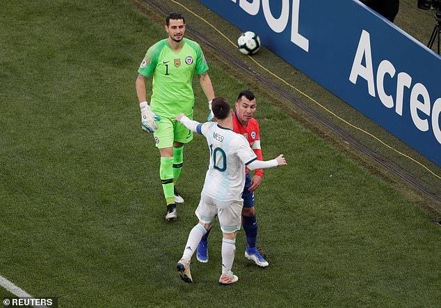 Argentina giành hạng 3 Copa America trong ngày Messi nhận thẻ đỏ - 1