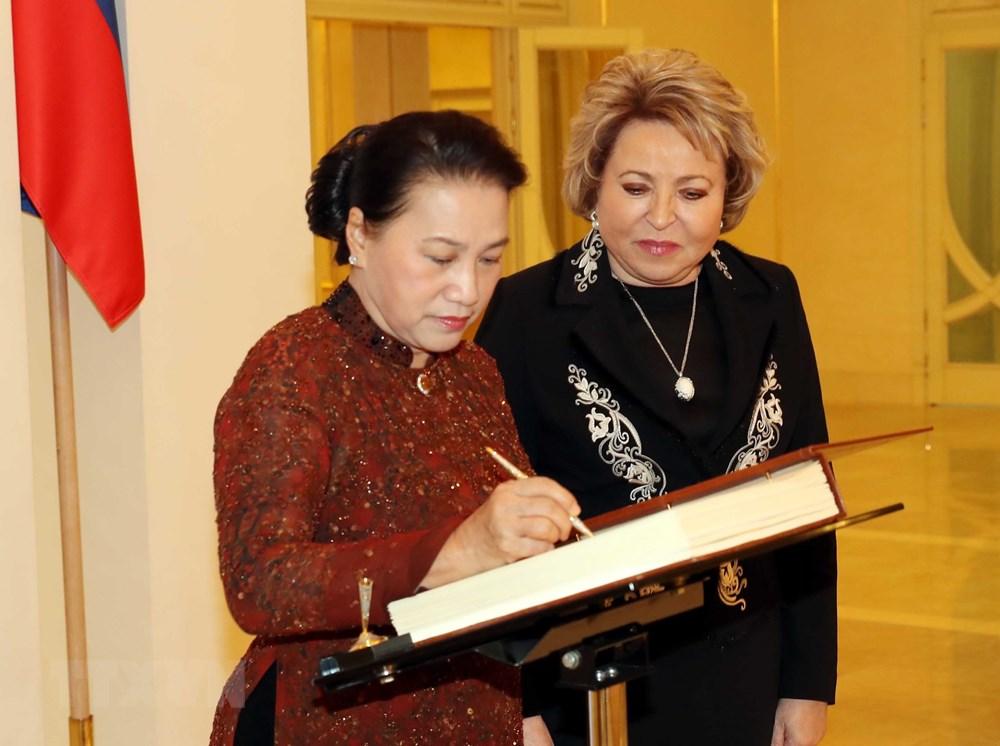 Chủ tịch Quốc hội và Chủ tịch Hội đồng Liên bang Nga gặp gỡ báo chí - 1