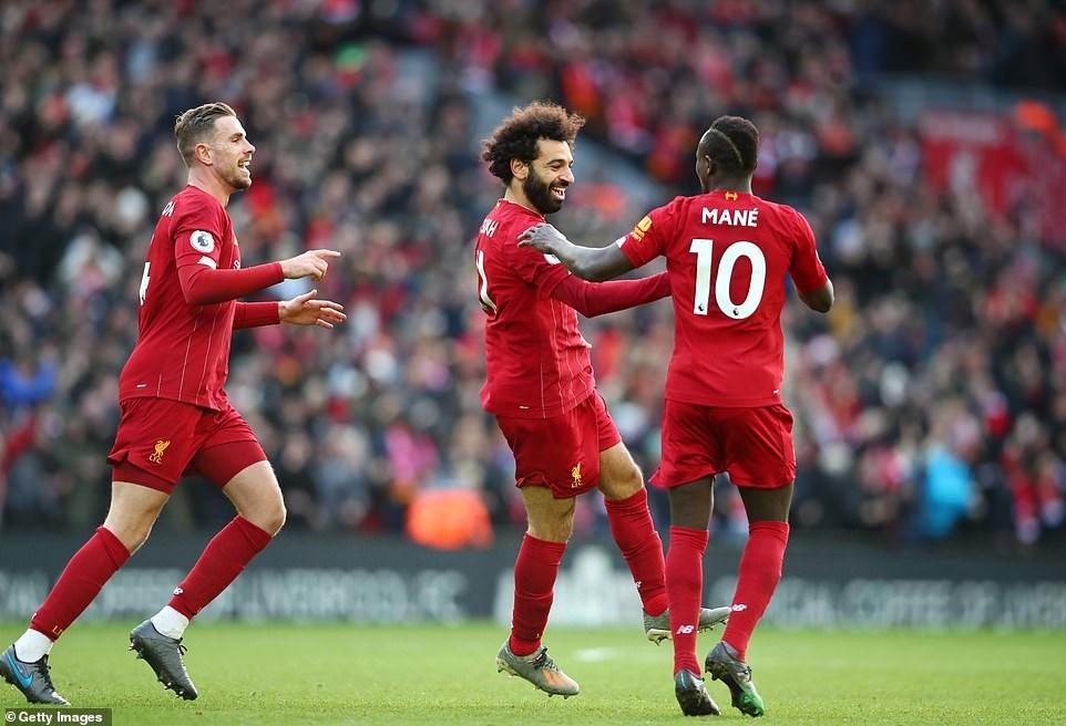 Mohamed Salah lập cú đúp, Liverpool vẫn bất bại ở Premier League - 1
