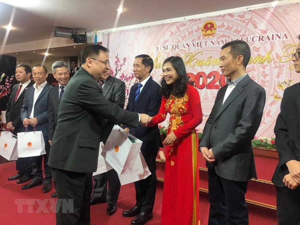 Đại sứ quán Việt Nam tại Ukraine tổ chức mừng xuân Canh Tý 2020