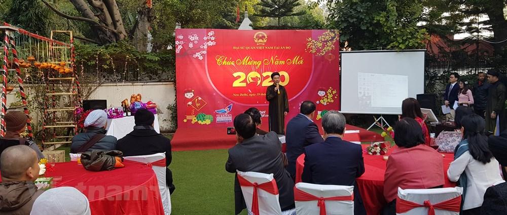 Sôi động ngày Tết cộng đồng người Việt Nam tại Lào và Ấn Độ - 2