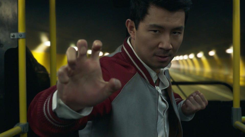 """Phim bom tan """"Sang-Chi"""" tiep da """"khuynh dao"""" phong ve Bac My hinh anh 1"""
