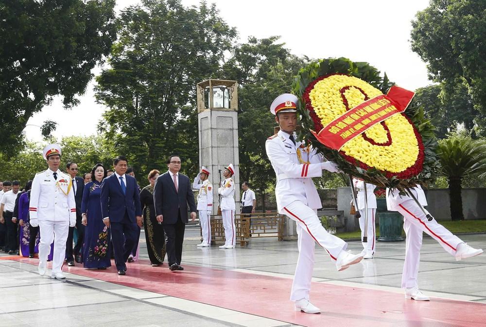 [ẢNH] Lãnh đạo Đảng, Nhà nước, MTTQ Việt Nam vào Lăng viếng Chủ tịch Hồ Chí Minh - 11