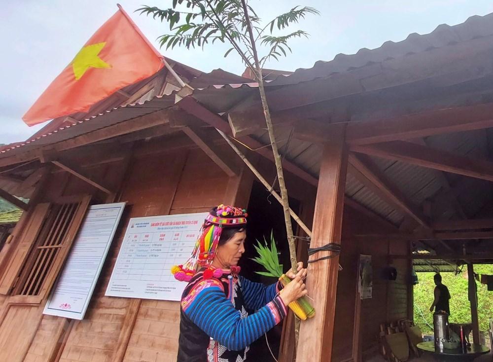 [Photo] Vui Tet Mua mua cung cong dong dan toc Ha Nhi o Dien Bien hinh anh 1