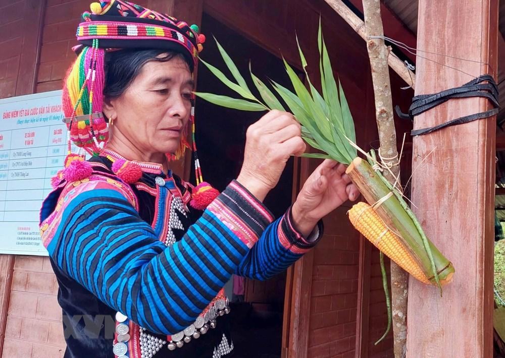 [Photo] Vui Tet Mua mua cung cong dong dan toc Ha Nhi o Dien Bien hinh anh 5