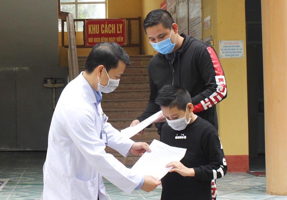 Thêm 12 bệnh nhân mắc Covid-19 ở Việt Nam được công bố khỏi bệnh