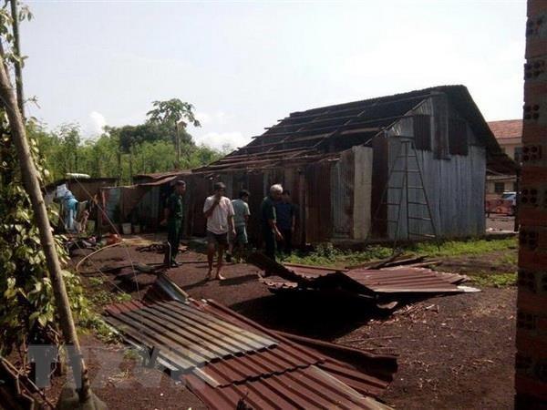 An Giang: Mưa lớn kèm lốc xoáy làm tốc mái, sập gần 160 ngôi nhà