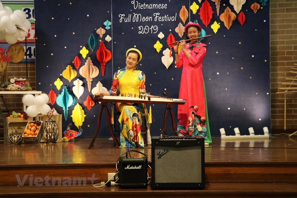 Lễ hội trăng rằm cho các cháu thiếu nhi Việt Nam tại Australia - 1