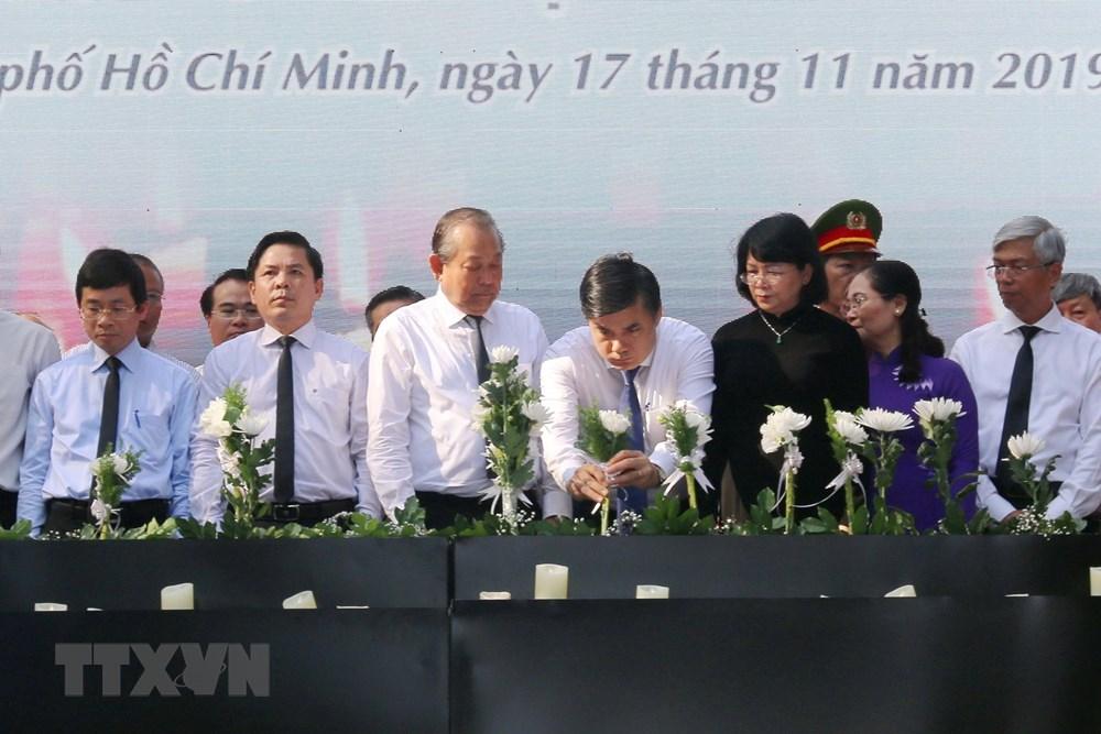 Tưởng niệm nạn nhân tử vong do tai nạn giao thông tại Việt Nam