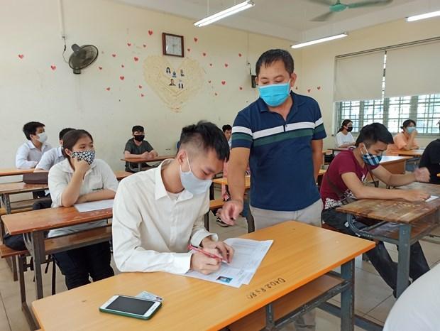 Ha Noi mien 50% hoc phi nam hoc 2021-2022 cho hoc sinh hinh anh 1