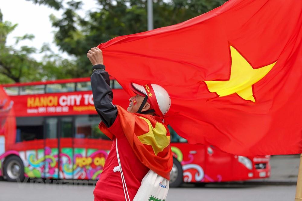 [ẢNH] Cổ động viên diễu hành 'tiếp lửa' trước trận Việt Nam - Thái Lan - 2