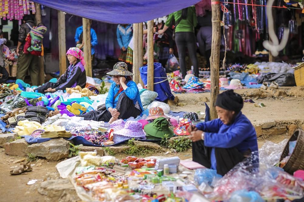 Tham cho phien Can Cau, net van hoa nguyen so con sot lai tai Lao Cai hinh anh 11