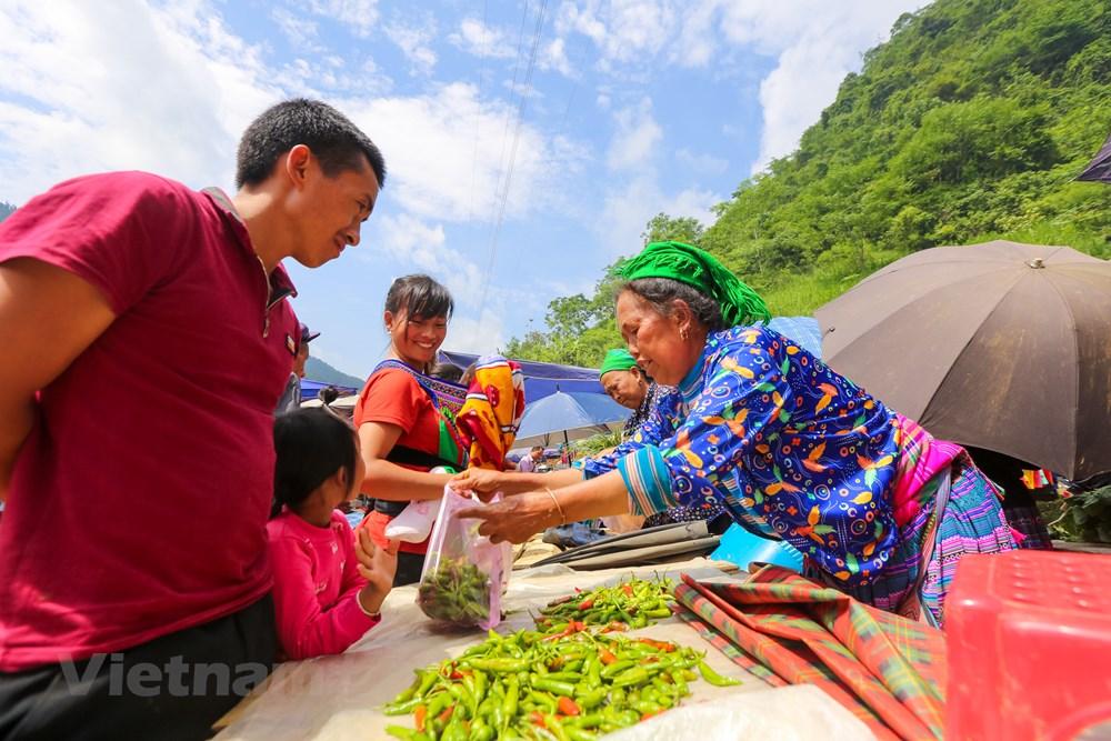Tham cho phien Can Cau, net van hoa nguyen so con sot lai tai Lao Cai hinh anh 5