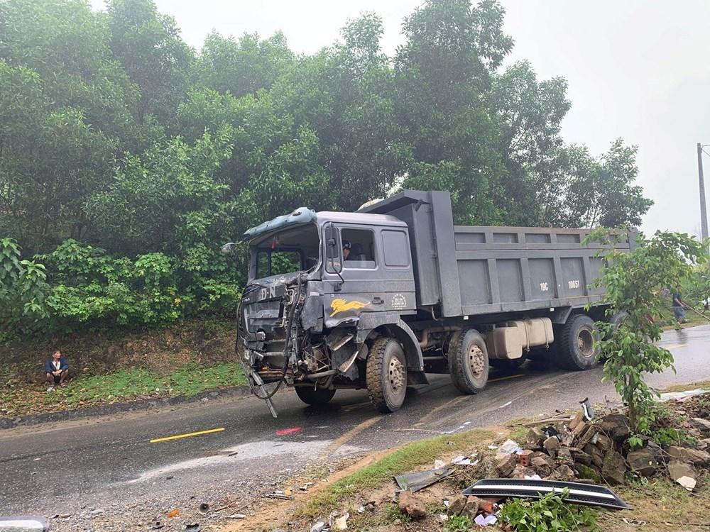 Phú Thọ: Xe ôtô tải đâm vào xe khách, 6 người bị thương nặng - 2