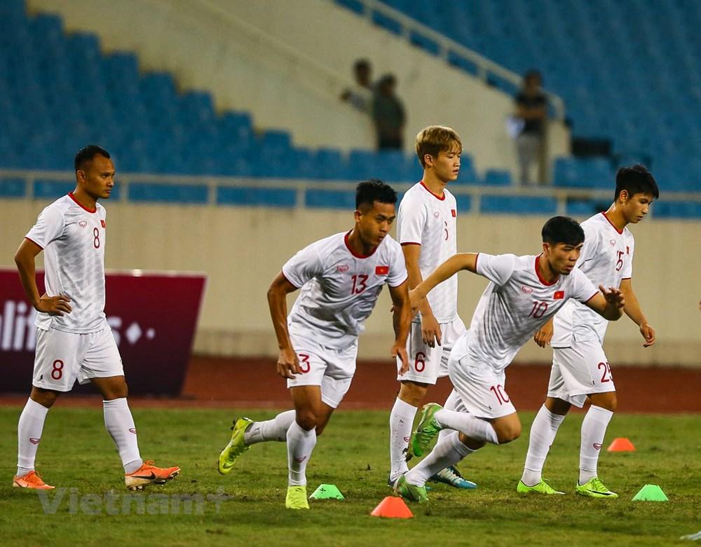 Tuyển Việt Nam làm quen sân Mỹ Đình, sẵn sàng đối đầu UAE - 7