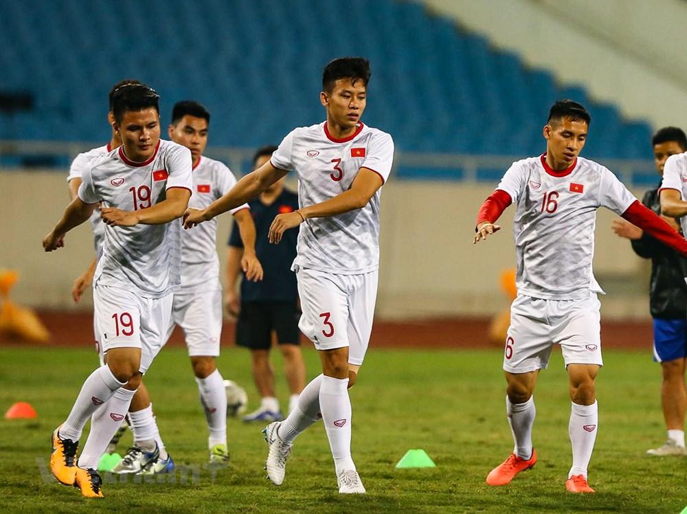 Tuyển Việt Nam làm quen sân Mỹ Đình, sẵn sàng đối đầu UAE - 1