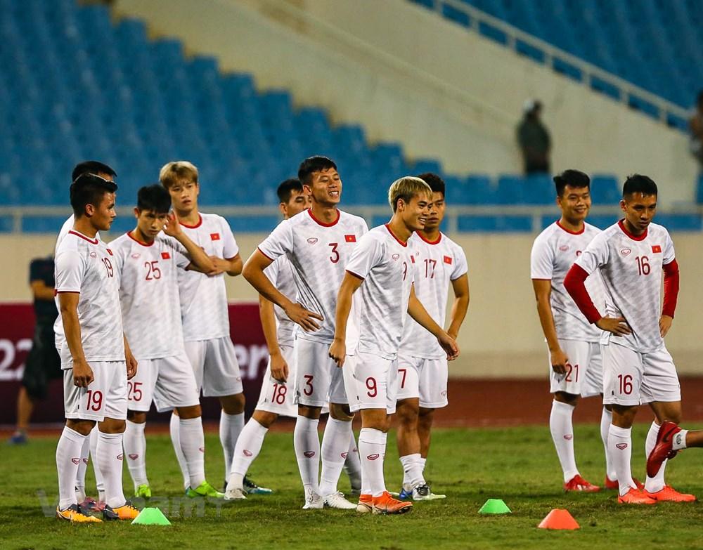 Tuyển Việt Nam làm quen sân Mỹ Đình, sẵn sàng đối đầu UAE - 4