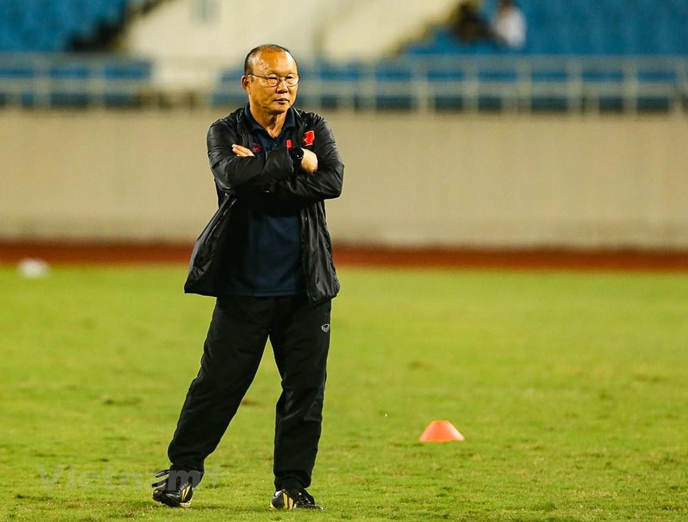 Tuyển Việt Nam làm quen sân Mỹ Đình, sẵn sàng đối đầu UAE - 5
