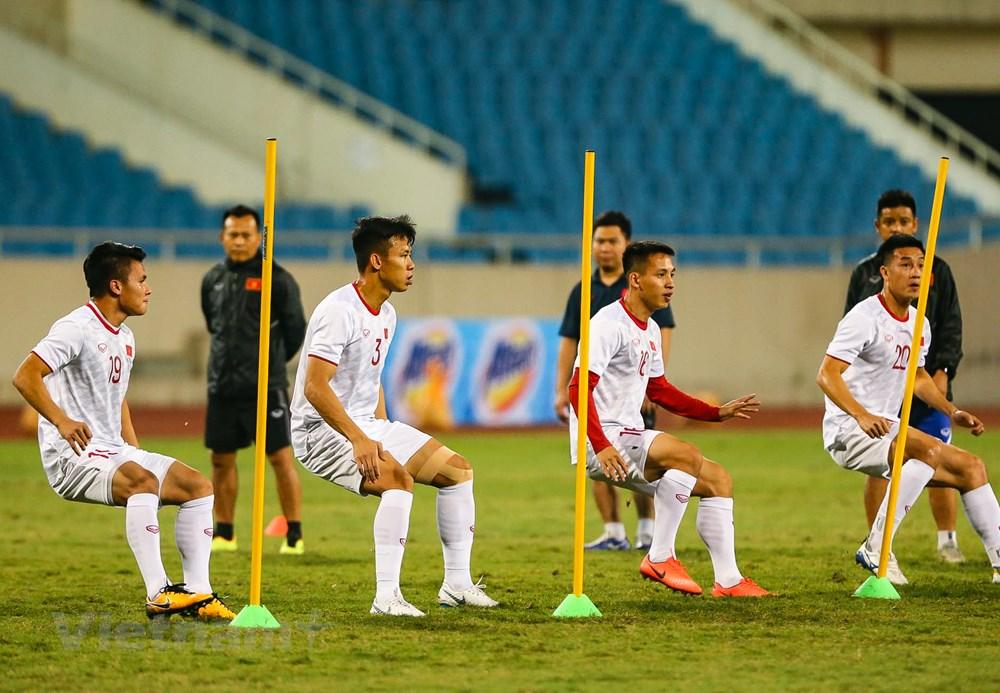 Tuyển Việt Nam làm quen sân Mỹ Đình, sẵn sàng đối đầu UAE - 3