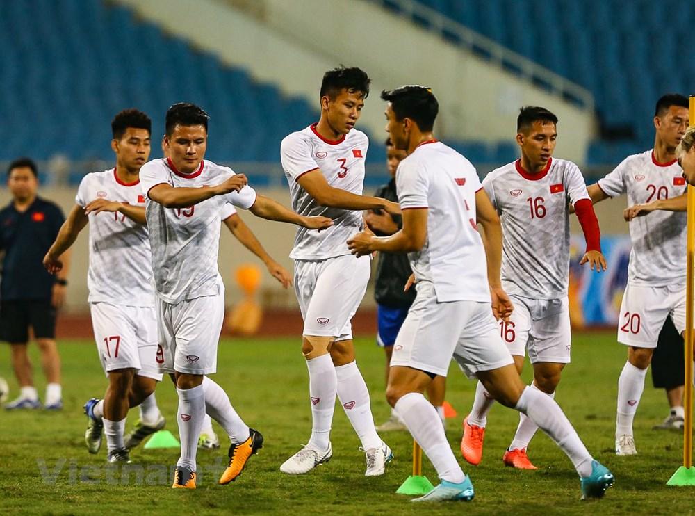 Tuyển Việt Nam làm quen sân Mỹ Đình, sẵn sàng đối đầu UAE - 8