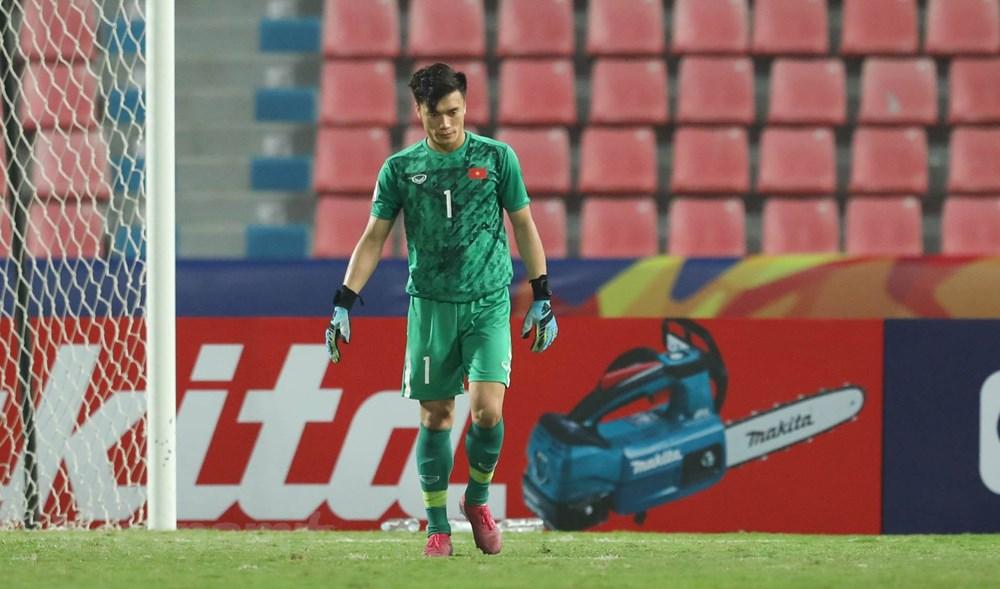 U23 Việt Nam thất thần rời sân Thái Lan khi bị loại sớm ở U23 châu Á - 4