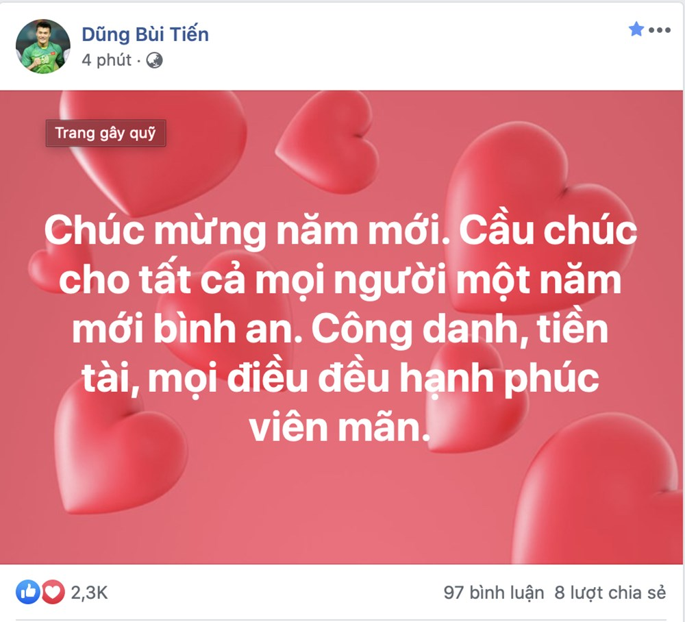 Cau thu tuyen Viet Nam no nhau chuc tet Canh Ty an lanh nguoi ham mo hinh anh 1