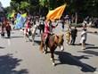 Diễu hành và biểu diễn nghệ thuật xiếc trên phố đi bộ hồ Hoàn Kiếm