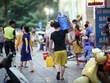 Nước đóng bình khan hàng sau sự cố nước nhiễm dầu thải tại Hà Nội