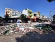 Nghệ An: Rác thải chất đống tại khu vực chợ Vinh sau trận ngập lịch sử