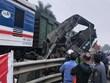 Hà Nội: Tàu hỏa đâm ôtô tại Phú Xuyên, tài xế mắc kẹt trong cabin