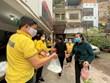 Những bữa cơm ấm tình người tới bệnh nhân nghèo Bệnh viện Nhi TW