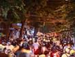 Người dân ào ra đường chơi Trung Thu ngay khi nới giãn cách xã hội